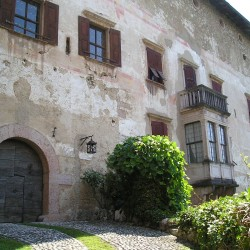 Castle Overlooking Lake Garda for Sale image 10