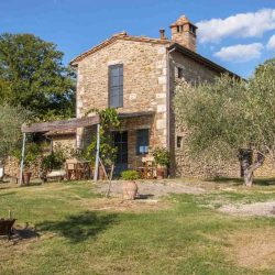 Val D'Orcia Estate with Organic Farm and Apartments (1)