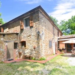 5 Bedroom Farmhouse near Trequanda 1