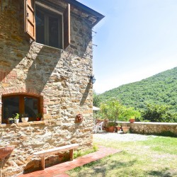 5 Bedroom Farmhouse near Trequanda 3