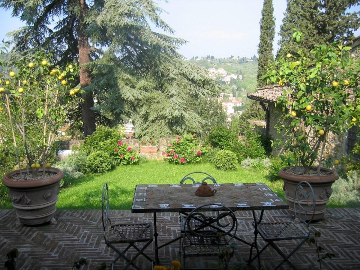 Giardino fiorito 003 1200 casa tuscany for Giardino fiorito