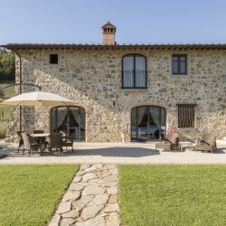 Farmhouse + 2 Annexes with 30 Hectares of Land 7