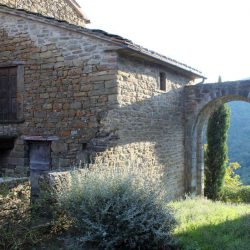 Castle near Cortona Image 4