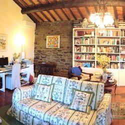 v2579ts House near Cortona for sale (5)