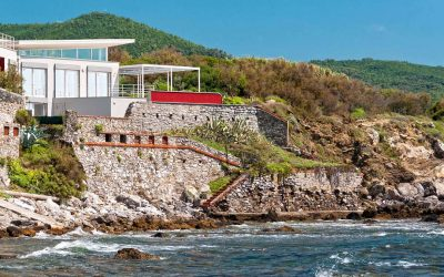 Tuscan Waterfront Villa with Private Access to Sea