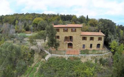 Tuscan House near Coast with 13 Hectares