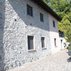 Molazzana Farmhouse Image 14