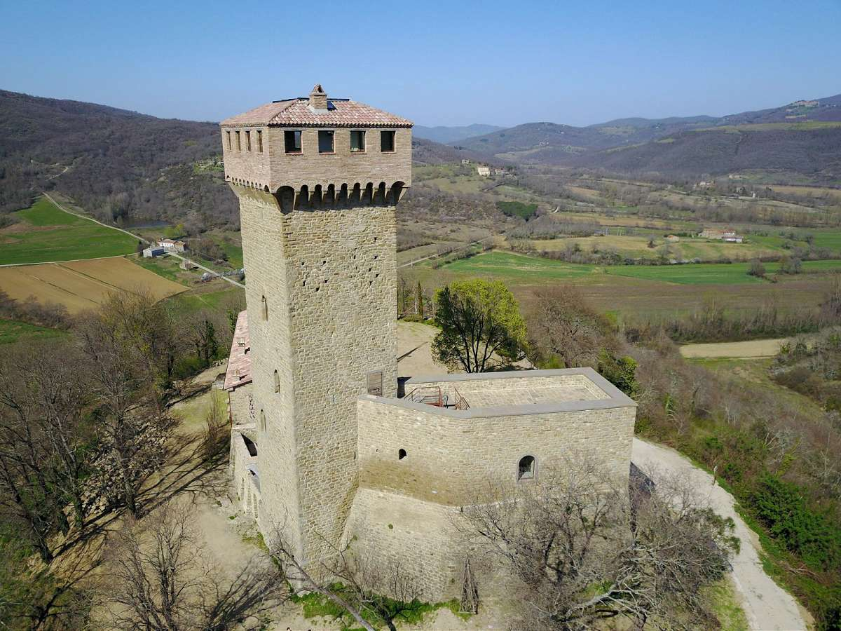 13th Century Castle Near Lake Trasimeno Casa Tuscany