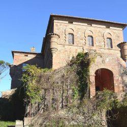 14th Century Castle Image 31