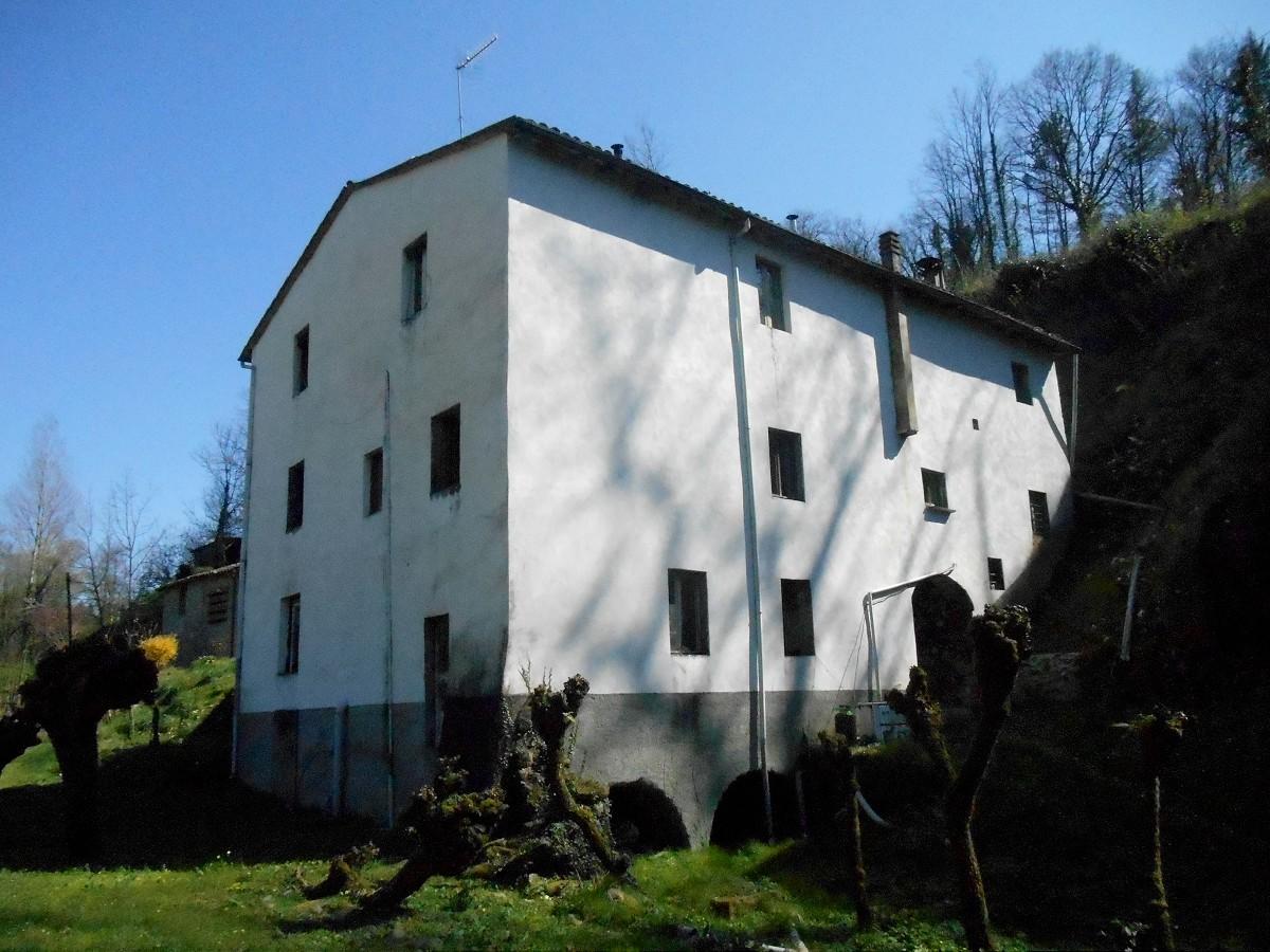 Former Mill Near Barga With Annex Casa Tuscany