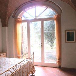 Chianni Farmhouse Image 9