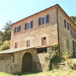 Chianni Farmhouse Image 1