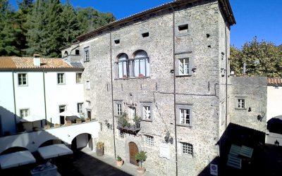 16th Century Castle in Historic Town Centre