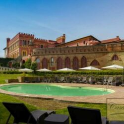 1 Bedroom Apartment in an Amazing Historic Castle (3)