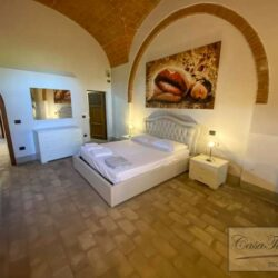 2 Bedroom Apartment in an Amazing Historic Castle 5
