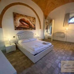2 Bedroom Apartment in an Amazing Historic Castle 6
