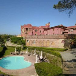 3 Bedroom Apartment in an Amazing Historic Castle 8