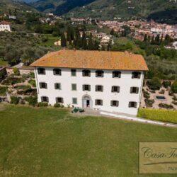 Auction Property Breathtaking Estate Near Pescia (1)-1200