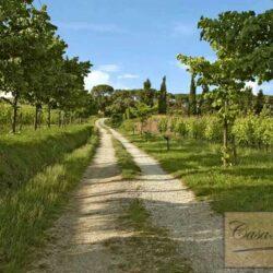 Auction Property | Breathtaking Estate Near Pescia 71