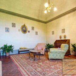 Auction Property | Breathtaking Estate Near Pescia 67