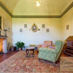 Auction Property | Breathtaking Estate Near Pescia 66
