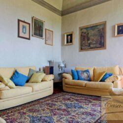 Auction Property | Breathtaking Estate Near Pescia 57