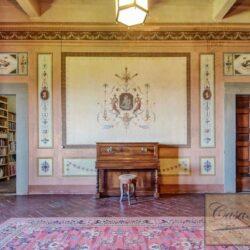 Auction Property | Breathtaking Estate Near Pescia 44
