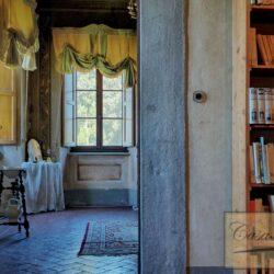 Auction Property | Breathtaking Estate Near Pescia 41