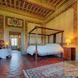 Auction Property | Breathtaking Estate Near Pescia 40