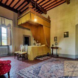 Auction Property | Breathtaking Estate Near Pescia 38