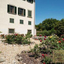 Auction Property | Breathtaking Estate Near Pescia 32