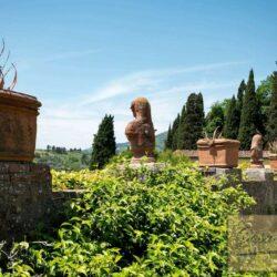 Auction Property | Breathtaking Estate Near Pescia 30