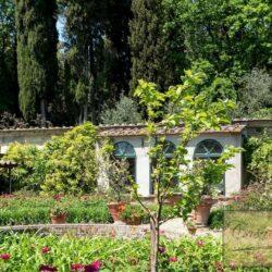 Auction Property | Breathtaking Estate Near Pescia 28