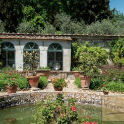 Auction Property | Breathtaking Estate Near Pescia 27