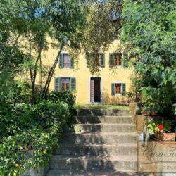Auction Property | Breathtaking Estate Near Pescia 24