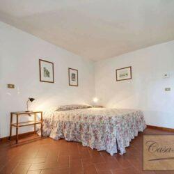 Auction Property | Breathtaking Estate Near Pescia 19