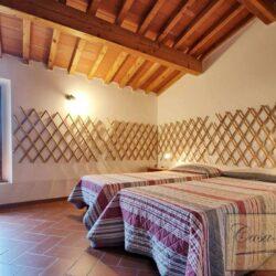 Auction Property | Breathtaking Estate Near Pescia 17