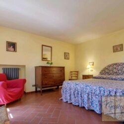 Auction Property | Breathtaking Estate Near Pescia 13