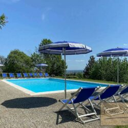 Auction Property | Breathtaking Estate Near Pescia 10
