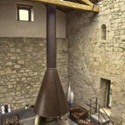 Beautifully Restored 13th Century Farmhouse 4