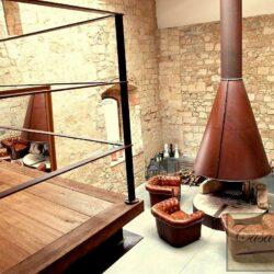 Beautifully Restored 13th Century Farmhouse 7