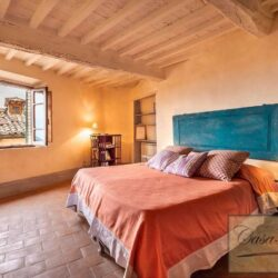 Character Property in Historic Cetona Centre 10