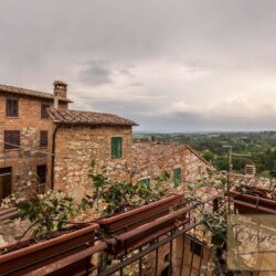 Character Property in Historic Cetona Centre 13
