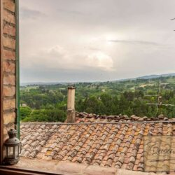 Character Property in Historic Cetona Centre 14