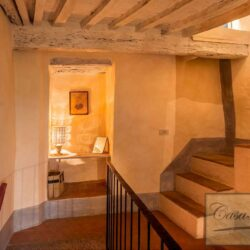 Character Property in Historic Cetona Centre 16