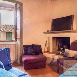 Character Property in Historic Cetona Centre 5