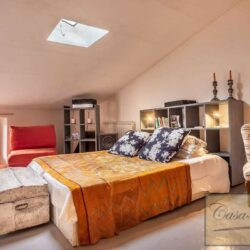 Character Property in Historic Cetona Centre 6