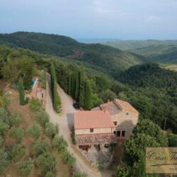 Two Chianti Houses with Annex + Pool 1