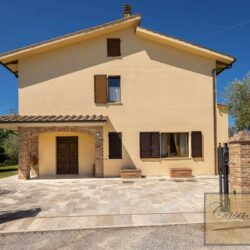 Farmhouse with Olives + Pool near Montepulciano 29