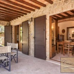 Farmhouse with Olives + Pool near Montepulciano 11